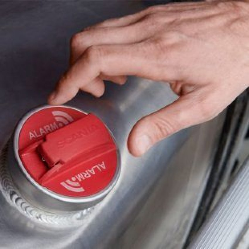 SCANIA'S NEW FUEL ALARM DETERS THIEVES thumbnail image
